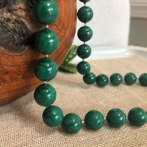 Vintage Marbled Green Plastic Beaded Necklace